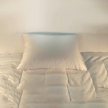 hotel pillow, motel pillow, cluster pillow